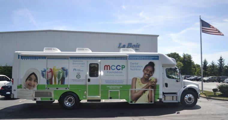 37ft mobile dental clinic passenger side view